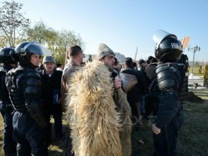 ciobanii_se_revolta_parlamentul_romaniei